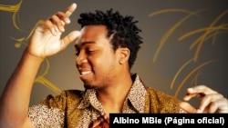 Albino MBie, artista moçambicano