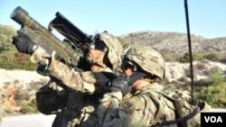 Stinger-ით საბრძოლო ამოცანის შესრულება ერთ სამხედროსაც შეუძლია