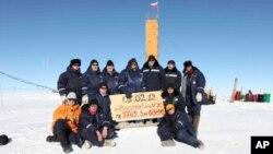 俄罗斯科学家在沃斯托克考察站(资料照)