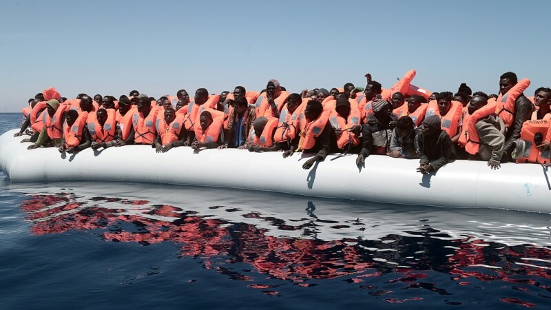 More Than 2,000 Migrants Rescued Overnight