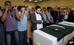 سٹیفورڈ ٹیکساس کے اسلامک سینٹر میں سبیکا کی نماز جنازہ ادا کی جا رہی ہے۔ 20 مئی 2018