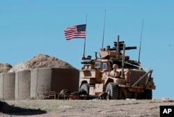 Menbiç'te devirye gezen Amerikan askerleri