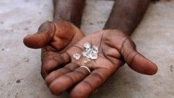Policia mata soba em protesto contra mina de diamantes - 3:01
