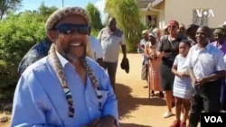 Induna yabantu, uNhlanhlayamangwe Ndiweni, emzini wakhe eNtabazinduna,