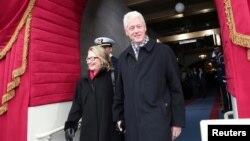 前美國總統克林頓和國務卿希拉里克林頓出席總統就職儀式﹐希拉里克林頓星期三將會出席班加西襲擊的聽證會。