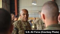 Trung tướng Không quân Charles Brown (ảnh tư liệu).