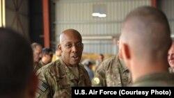 ABŞ hərbi hava qüvvələrinin general-leytenantı Çarlz Braun