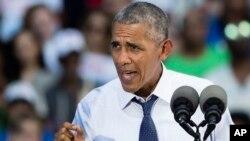 바락 오바마 미국 대통령이 13일 필라델피아에서 힐러리 클린턴 민주당 대통령 후보 지원유세를 진행하고 있다.