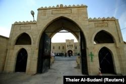 Pemandangan biara Mar Behnam terlihat setelah kota itu direbut kembali dari ISIS, di Ali Rash, tenggara Mosul, Irak 21 November 2016. (Foto: REUTERS/Thaier Al-Sudani)