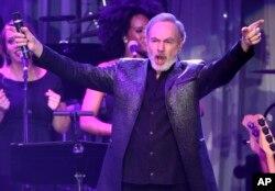 Neil Diamond en la gala previa a los Grammy. Beverly Hilton Hotel, Beverly Hills, California. 11-2-17.