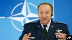Komandan militer NATO, Jenderal Philip Breedlove prihatin atas situasi di Ukraina timur (foto: dok).