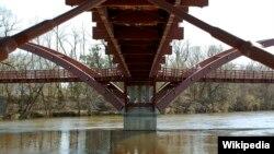 Jembatan di Sungai Tittabawassee, Michigan (foto: ilustrasi).