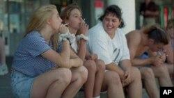Menurut Prof. Tom Valente dari Universitas Southern California, siswa yang populer lebih cenderung merokok dan menjadi perokok lebih dini daripada murid yang kurang populer (foto: Dok).