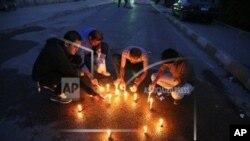 Irački novinari zapalili sveće na mestu gde je ubijen šef bagdadskog biroa stanice Radio slobodni Irak