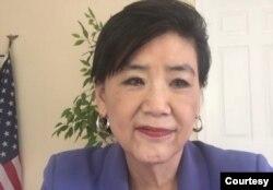 来自加州的联邦众议员赵美心在首映式上。(Zoom,勇士新电影)