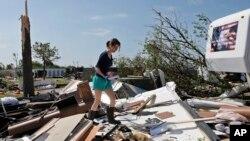 Fuertes tormentas se registraron en los alrededores de Dallas, Texas, las cuales dejaron más de 20 heridos.