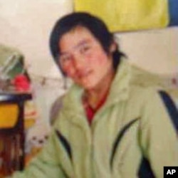Nineteen-year old Tibetan student Tsering Kyi died after setting fire to herself, March 5, 2012