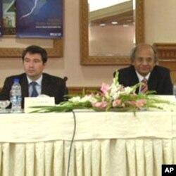 ڈاکٹر اشفاق حسن خان رپورٹ کے اجرا کے موقع پر