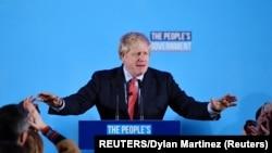 英国首相鲍里斯·约翰逊在大选结果公布后在伦敦举行的保守党活动上发表讲话。(2019年12月13日)
