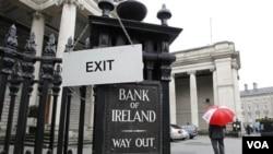 Los prestamistas cobrarán tasas de interés más altas para compensar el riesgo de que Irlanda no pueda devolver el crédito.