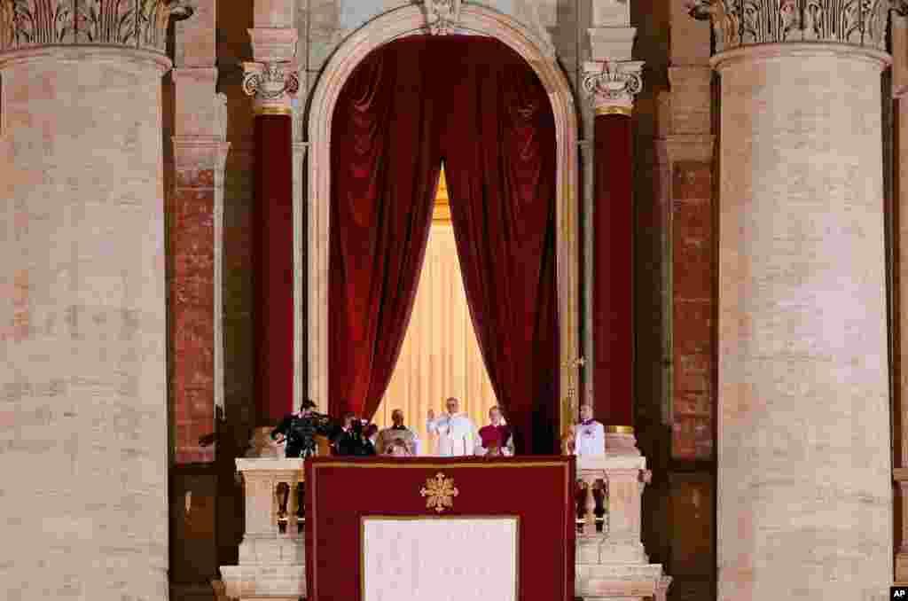 Վատիկանում կարդինալների խորհուրդն ընտրել է Հռոմի նոր՝ 266-րդ Պապին: Հռոմի Պապ է ընտրվել Բուենոս Այրեսից կարդինալ Բերգոլիոն: Նա ընդունել է Ֆրանցիսկ I-ին անունը: