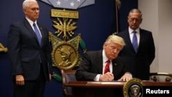 2017年3月6日,美国总统川普签署新旅行限令。