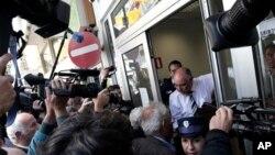 Открытие банка Laiki Bank в Никосии, 28 марта 2013г.