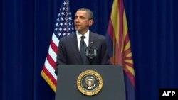 Tổng thống Obama phát biểu tại buổi lễ tưởng niệm các nạn nhân ở Tucson, bang Arizona