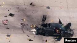 Vista aérea de cómo quedó el auto usado por los dos atacantes en Garland, Texas.