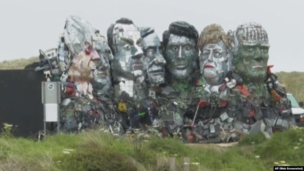 الیکٹرانک کچرے سے بنے جی سیون سربراہان کے مجسمے عوام کی توجہ کا مرکز