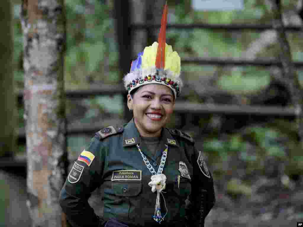 این پلیس در مقابل محل دیدار رهبران چند کشور آمریکای جنوبی ایستاده است. نگرانی از آتش سوزی در جنگل های آمازون موجب نگرانی هایی شده است.