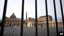 意大利全国封城后罗马梵蒂冈圣彼得广场空无一人。(2020年3月10日)