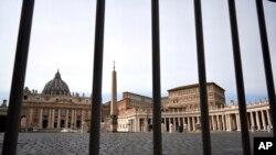 意大利全國封城第一天後羅馬梵蒂岡聖伯多祿廣場空無一人。(2020年3月10日)