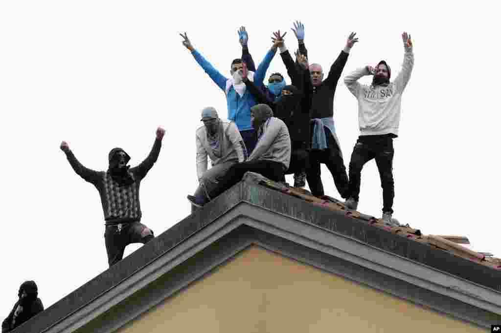 با شیوع کرونا در ایتالیا، زندانیان در شهرهایی مثل میلان شورش کرده اند و خواستار آزادی خود هستند.