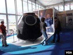 2013年莫斯科航展上展出的俄罗斯联盟号飞船。神舟飞船被认为在外貌上与联盟号相似。