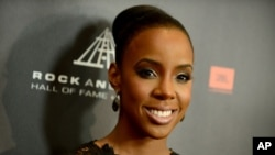 Kelly Rowland attends the Rock and Roll Hall of Fame Induction Ceremony at the Nokia Theatre, April 18, 2013.