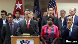 El gobernador de Nueva York, durante el anuncio en Cuba en abril de 2015 cuando se firmó el acuerdo para el desarrollo de la vacuna contra el cáncer aprobada por el gobierno de EE.UU. el miércoles 26 de octubre.