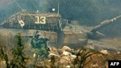 Российский танк, подбитый на ливано-израильской границе
