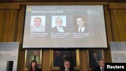 2016年諾貝爾化學獎得主分別是讓皮埃爾·索維奇、詹姆斯·弗雷澤·斯托達特和伯納德·費倫加.