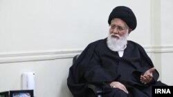 احمد علمالهدی به تازگی از سوی آقای خامنه ای به سمت نماینده ولی فقیه در خراسان رضوی ارتقا یافت.