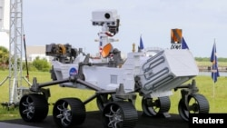 A replica of the Mars 2020 Perseverance Rover is shown during a press conference ahead of the launch of a United Launch Alliance Atlas V rocket carrying the rover, at the Kennedy Space Center in Cape Canaveral, Florida, U.S. July 29, 2020. (REUTERS/Joe Skipper)