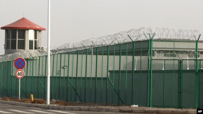 新疆拘留营出现强迫劳役