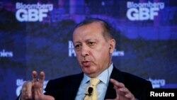 Le président de la Turquie Recep Tayyip Erdogan lors du Forum de Bloomberg sur le business mondial à New York, 20 septembre 2017.