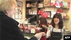 """Sestre Frensis i Džindžer Park u svojoj prodavnici """"Čokolada čokolada"""""""