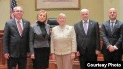 Од лево на десно: амбасадорот на Република Македонија Зоран Јолевски, амбасадорката на Босна и Херцеговина Јадранка Негодиќ, конгресменката Кендис Милер, амбасадорот на Грузија Арчил Гегешидзе и заменикот-амбасадор на Косово Сами Кастрати