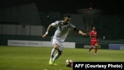 بلال آرزو، مهاجم تیم ملی افغانستان که بعد مدتی دوباره در ترکیب تیم شامل شده است.