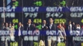 Trong những năm gần đây Nhật Bản và thụt lùi sau Trung Quốc, tụt xuống hạng ba về tổng sản phẩm quốc dân