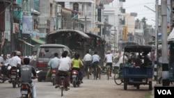 이달 11월 버마 락힌 주의 번화가.