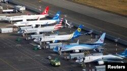 部分停飞的波音737 MAX客机停在波音公司在美国华盛顿州西雅图的停机场上。(2019年3月21日)