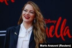 "Emma Stone menghadiri pemutaran perdana film ""Cruella"" di teater El Capitan di Los Angeles, California, AS 18 Mei 2021. (Foto: REUTERS/Mario Anzuoni)"